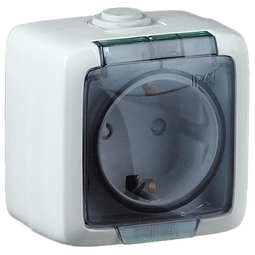 Розетка наружная с заземлением без шторок белая IP44